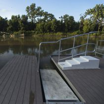 拼装式浮桥 / 漂浮式 / 离水停泊 / 用于皮划艇