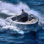 舷内小快艇 / 中央控制台 / 传统型 / 最多容纳 9 人