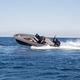 舷外充气艇 / 双引擎 / 半硬式 / 中央控制台