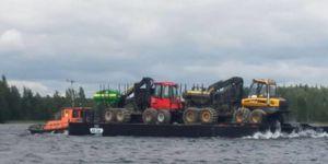 专业工作驳船