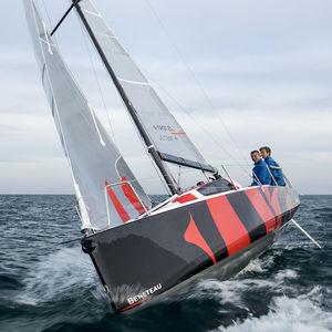 远洋巡游帆船