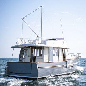 舷内拖网渔船