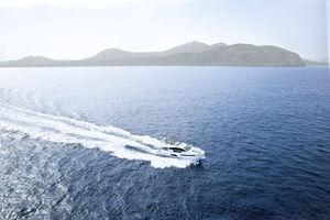 巡游机动游艇