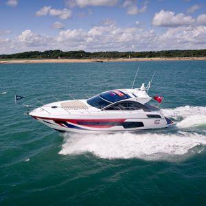 运动机动游艇