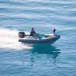 舷外充气艇 / 半硬式 / 开放式 / 侧边控制台